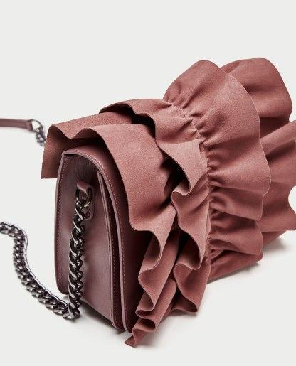 Zara - borsa formato tracolla rosa con volant arricciato