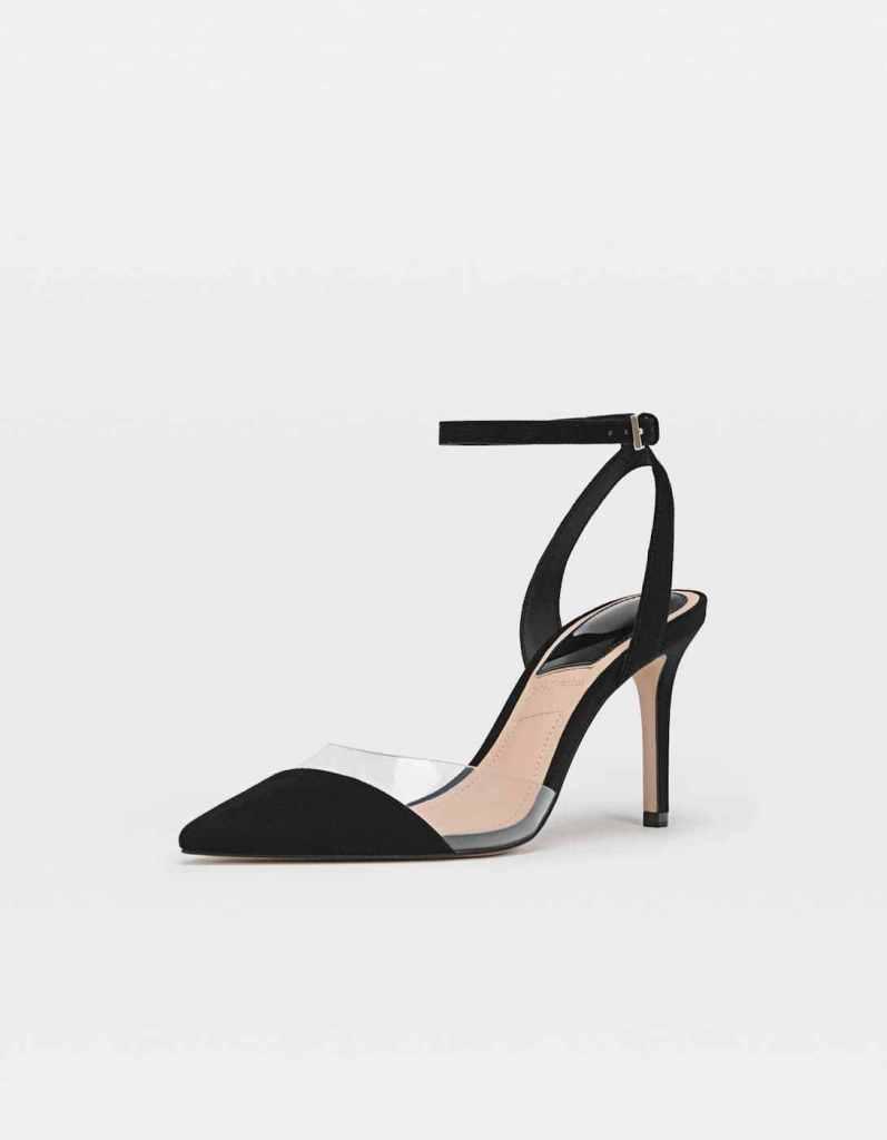 scarpa nera con inserti in vinile